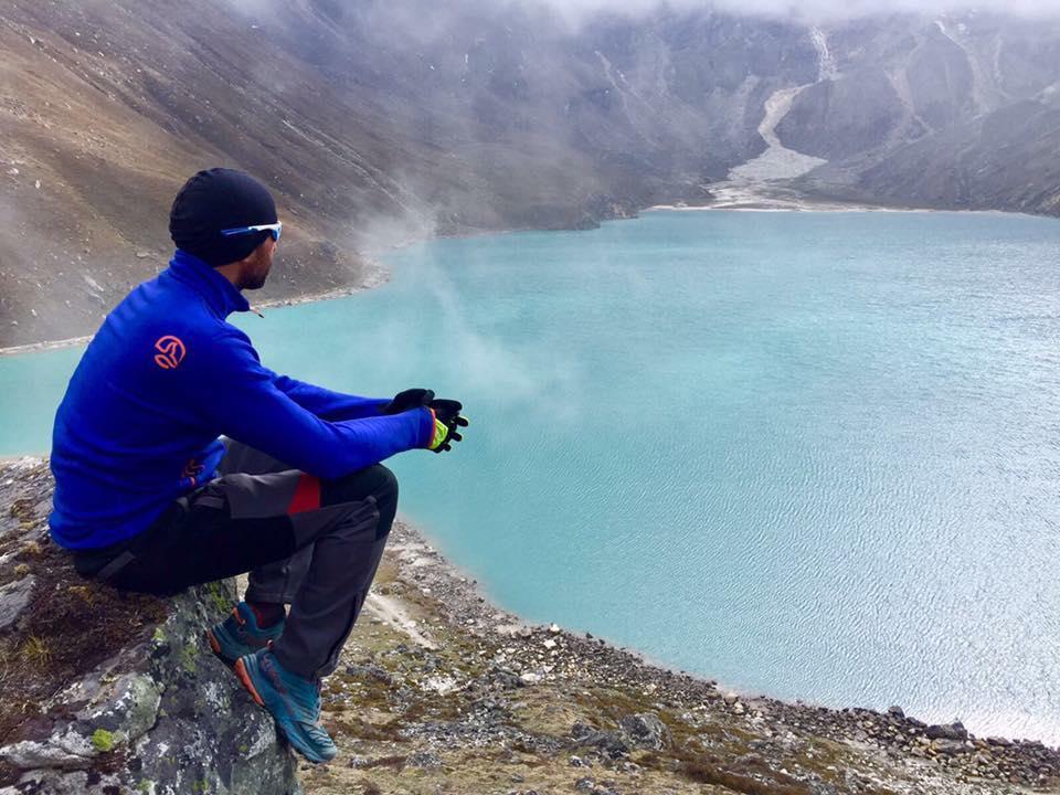 Mihai Nenciu lac glaciar Nepal Himalaya