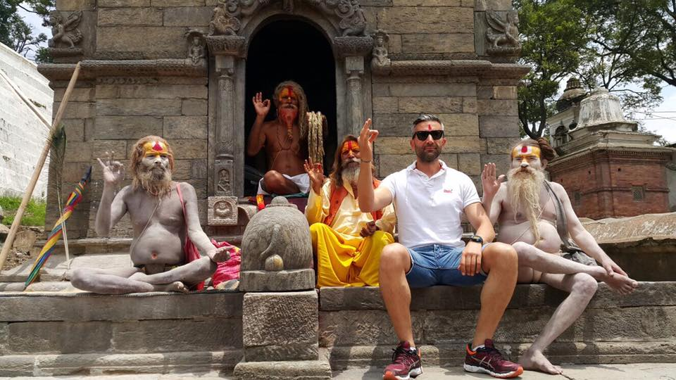 Mihai Nenciu Himalaya calugari budisti binecuvantare