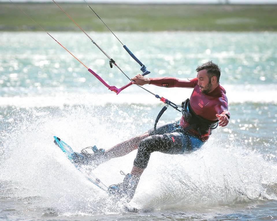 kitesurfing kiteboarding